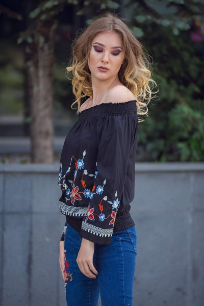 BLUZA NEAGRA DAMA TIP IE TRADITIONALA